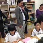 授業を見学するタイ国関係者