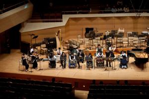 ステージの様子 (Photo:Shinobu Suzuki)