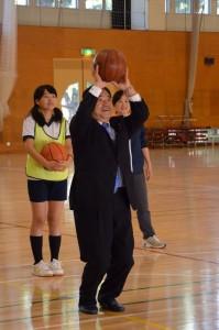 4_体育館 (847x1280)